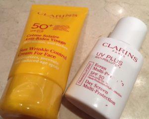 Protector solar de Clarins (Botella blanca)