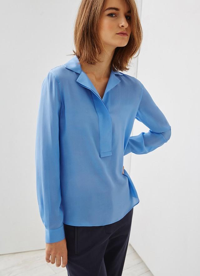 FOTO 5: Modelo con blusa azul (Letizia y Marcelo)