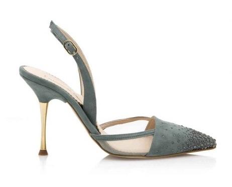 FOTO 14: Zapatos de Laguna, ahora en azul serenidad.