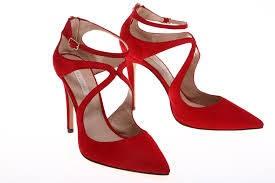 FOTO 18: Zapatos rojos