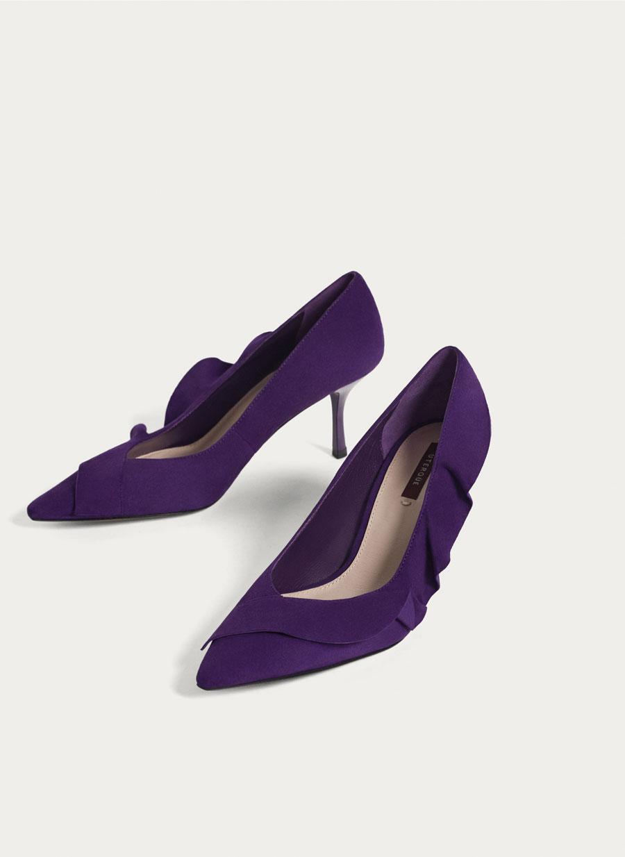 FOTO 7: zapatos morados
