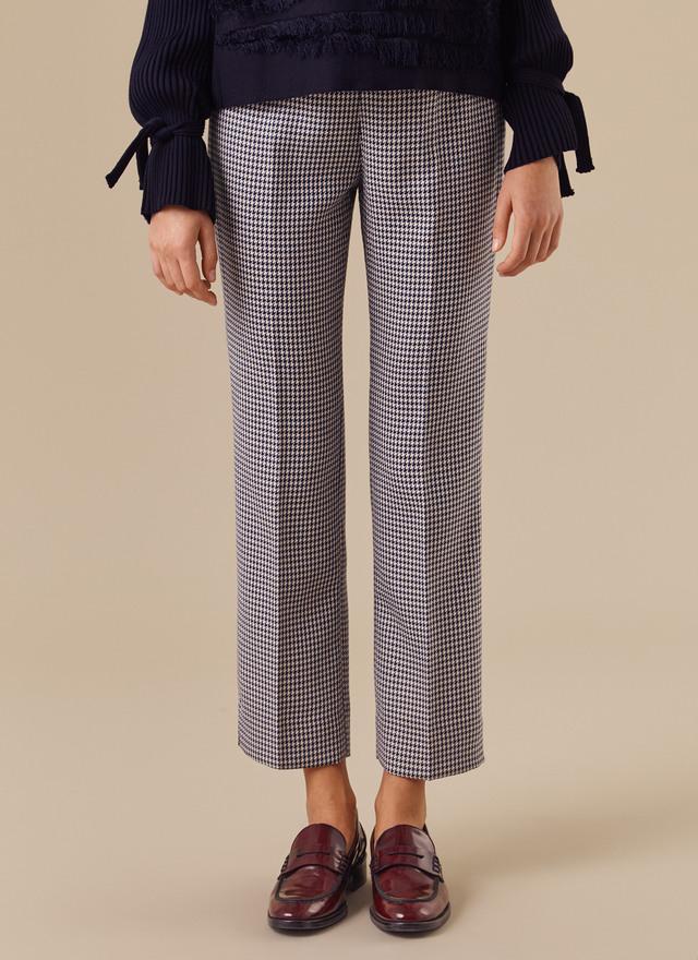 FOTO 14: Piernas con pantalones de cuadros Vichy