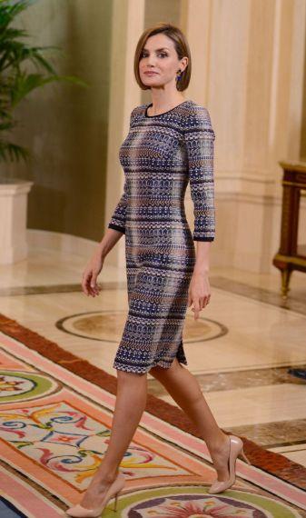 FOTO 5: Leti de vestido azul de tweed