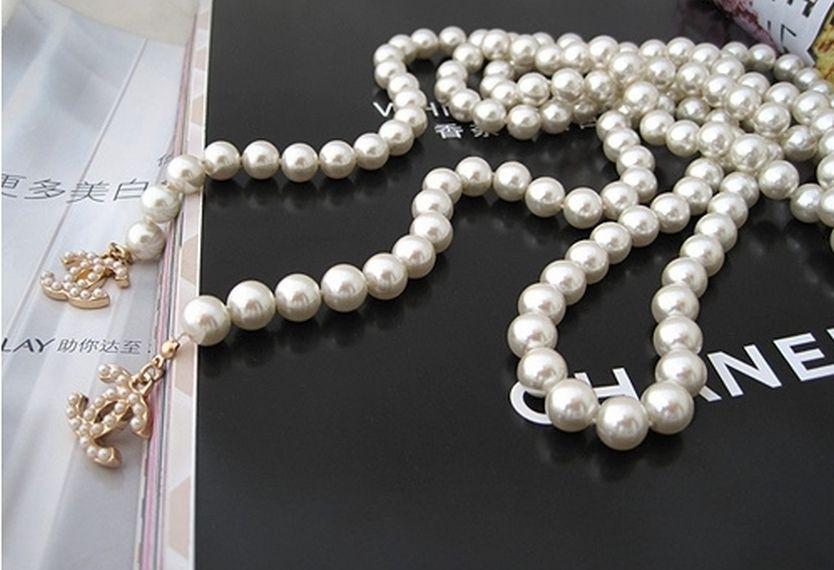 FOTO 12: Perlas, perlas de Chanel.